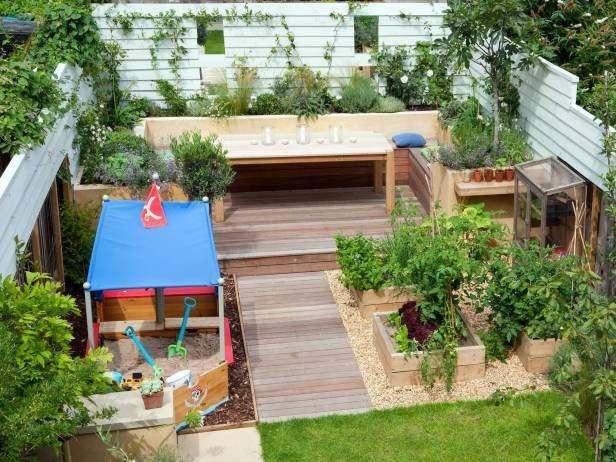 ideas en fotos para el diseo de jardines jardinera rea de juegos en