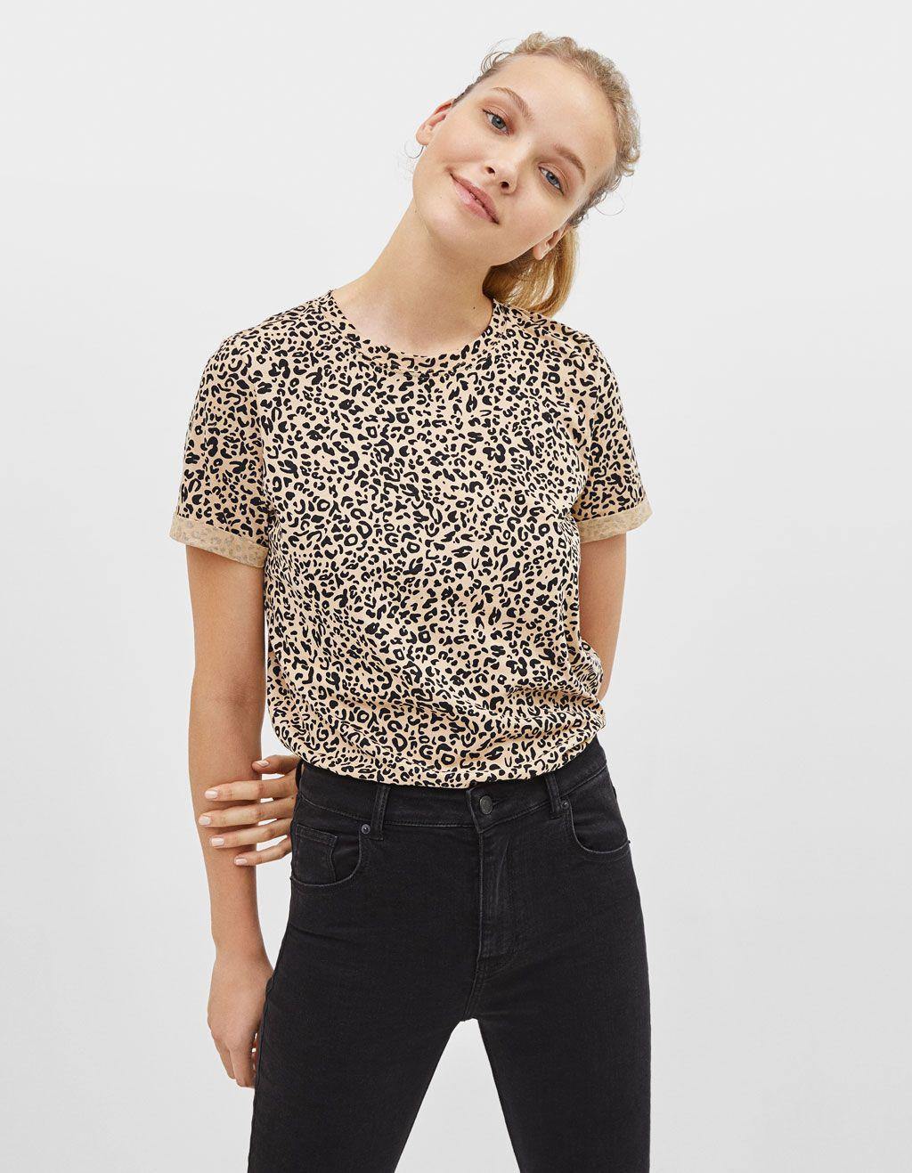4c11daede3 Camiseta con estampado leopardo en 2019