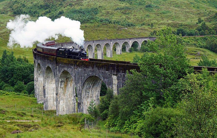 Du Mochtest Den Harry Potter Zug Uber Das Glenfinnan Viaduct In Schottland Fahren Sehen Hier Erhalt Du Viele In Schottland Schottland Reisen Schottland Urlaub