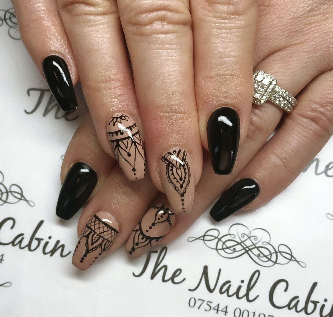 Black nude nail and can not