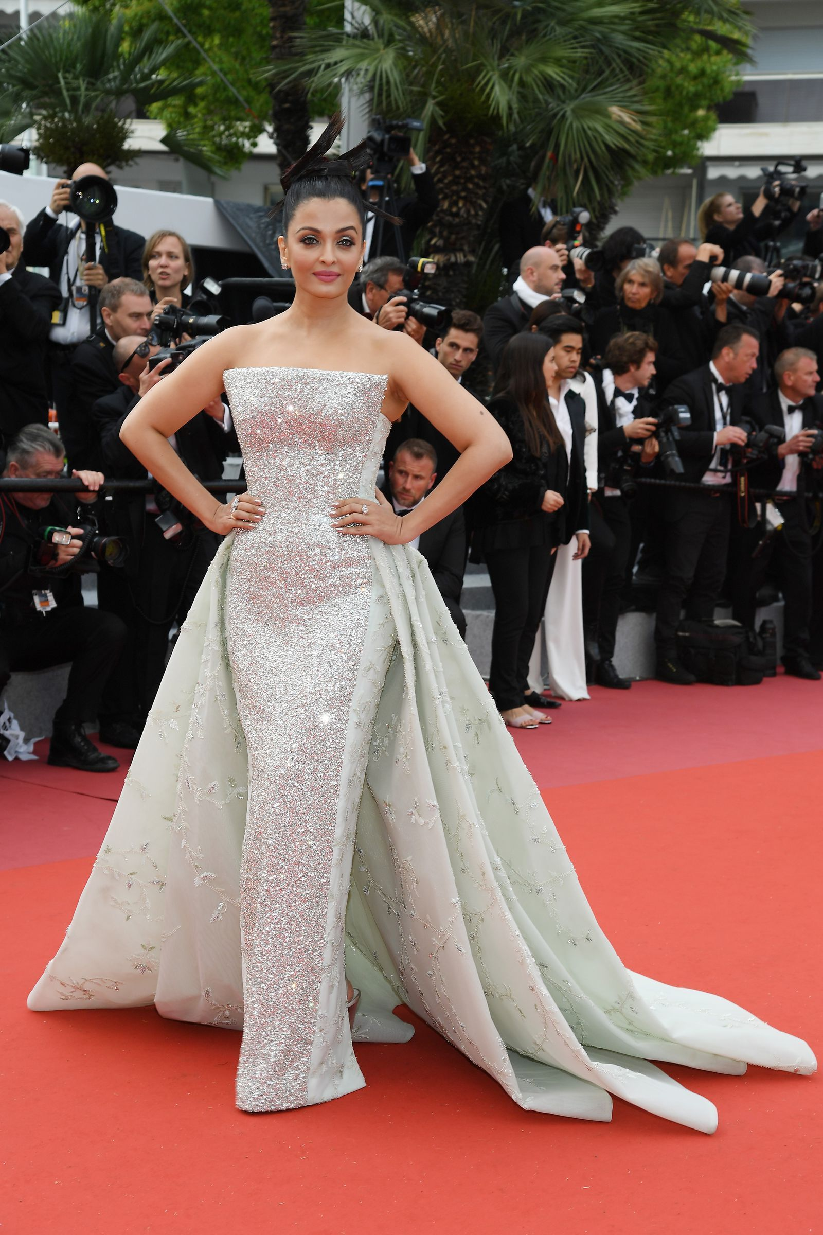 The Most Glamorous Looks At The Amfar Cannes Gala Red Carpet Dresses Celebrity Dresses Gala Dresses