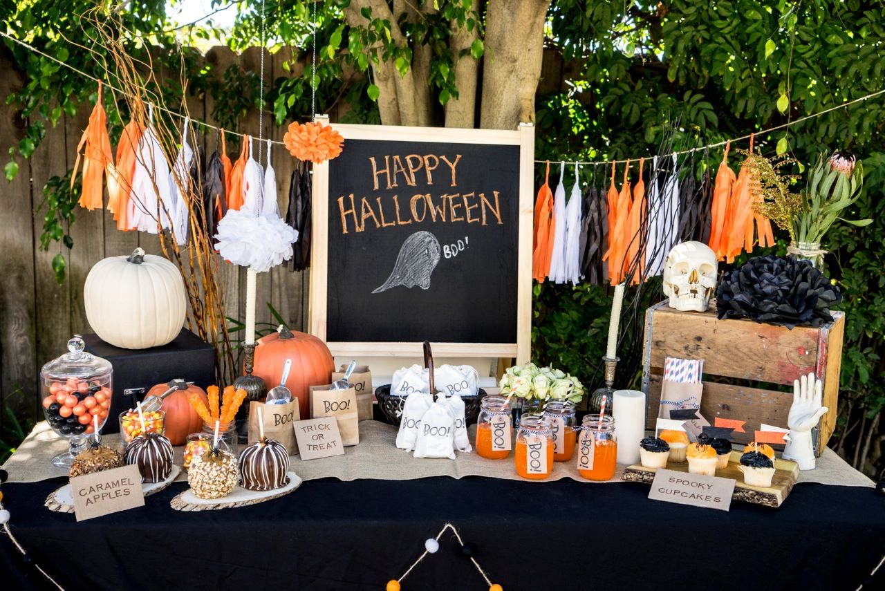20 stylish halloween dcor and party ideas glitter incglitter