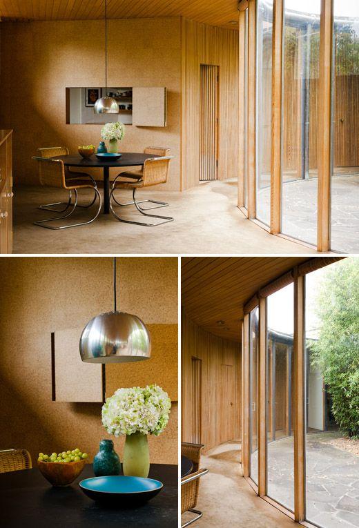 Toda a modernidade nesse escritório com a utilização de vidro, madeira e moveis sofisticados!