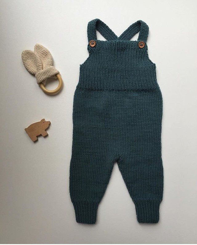 Overall knitting pattern- in English on site