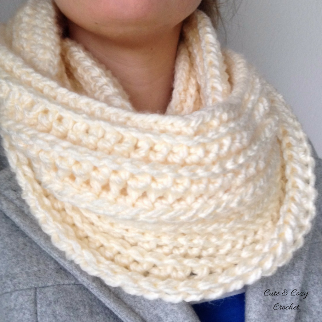 10 Free & Cozy Infinity Scarf Crochet Patterns | Scarf crochet ...