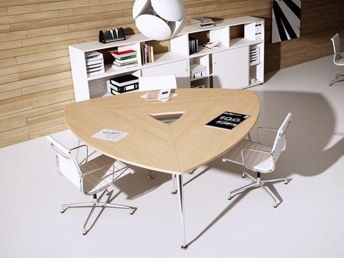 Dreieckiger Tisch SIRIO für Konferenzräume | Konferenzraum ...