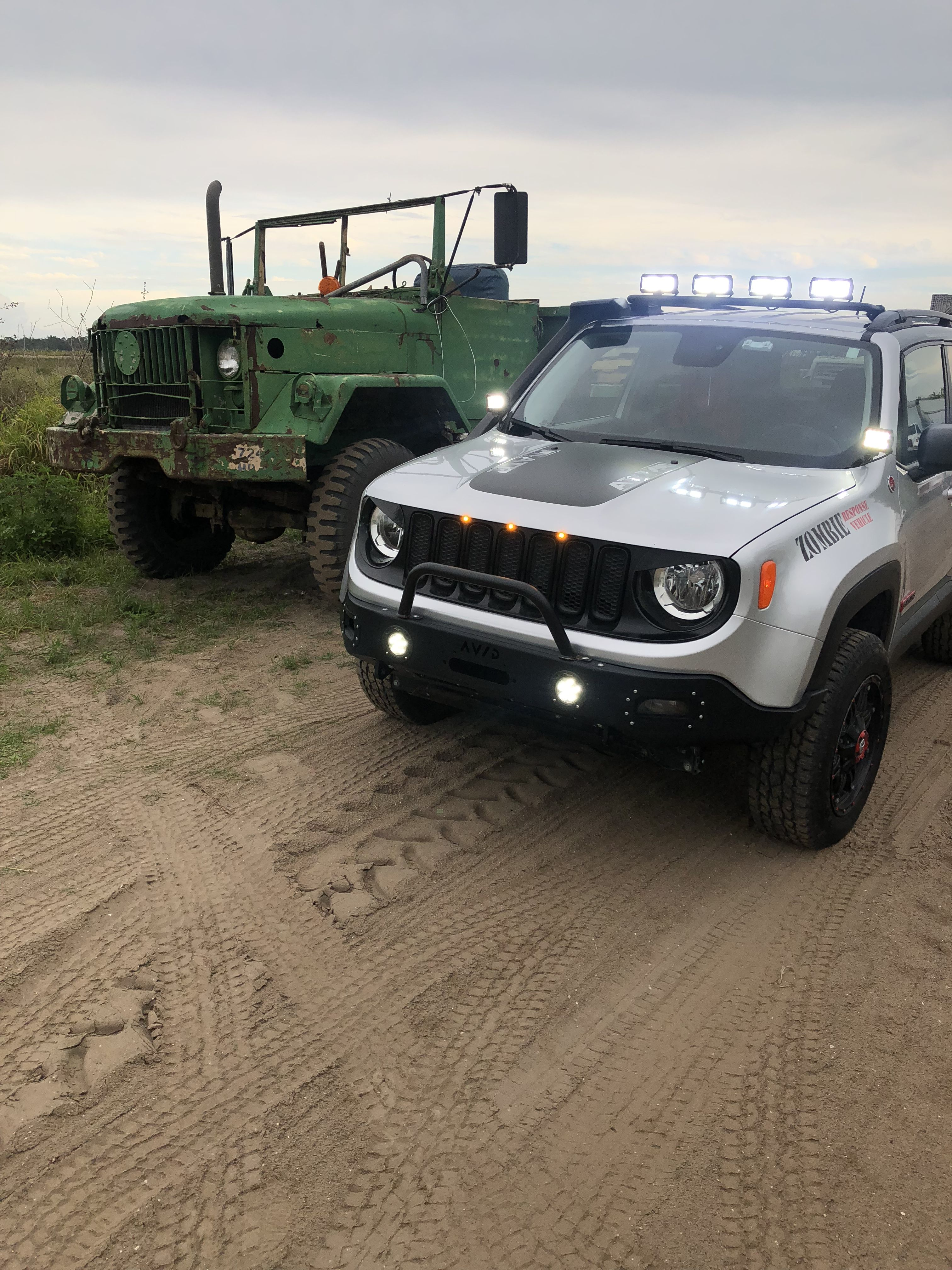 Pin By Hannah Erickson On Jeep Jeep Renegade Trailhawk Jeep