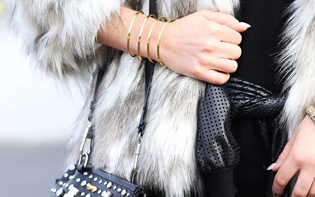 Parallel cuff // ARTELIER http://www.artelier.mx/collections/parallel/products/parallel-4-lines-cuff?variant=4445779589