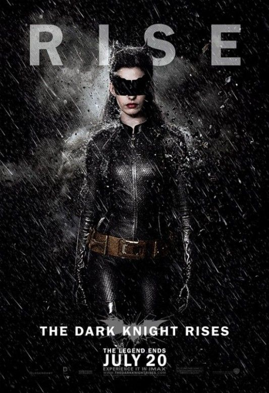 The Dark Knight Rises Catwoman In Rain Poster Cavaleiro Das Trevas