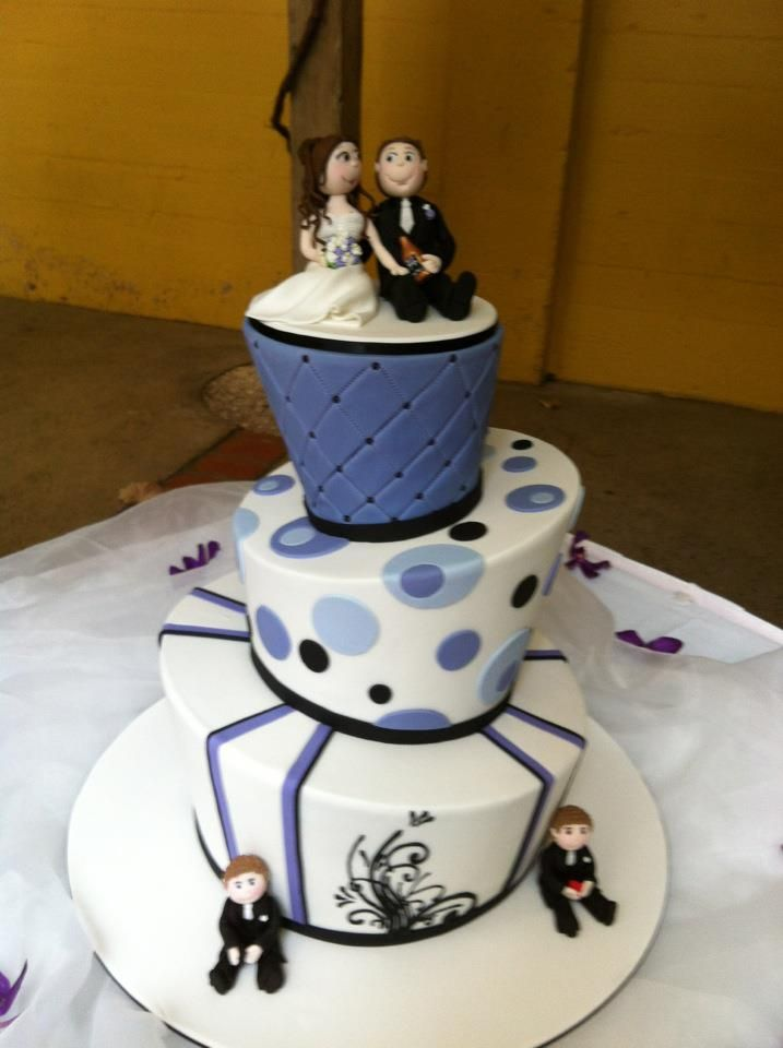 Amy & Glenn\'s Mad Hatter wedding cake | Mad Hatter Wedding ...