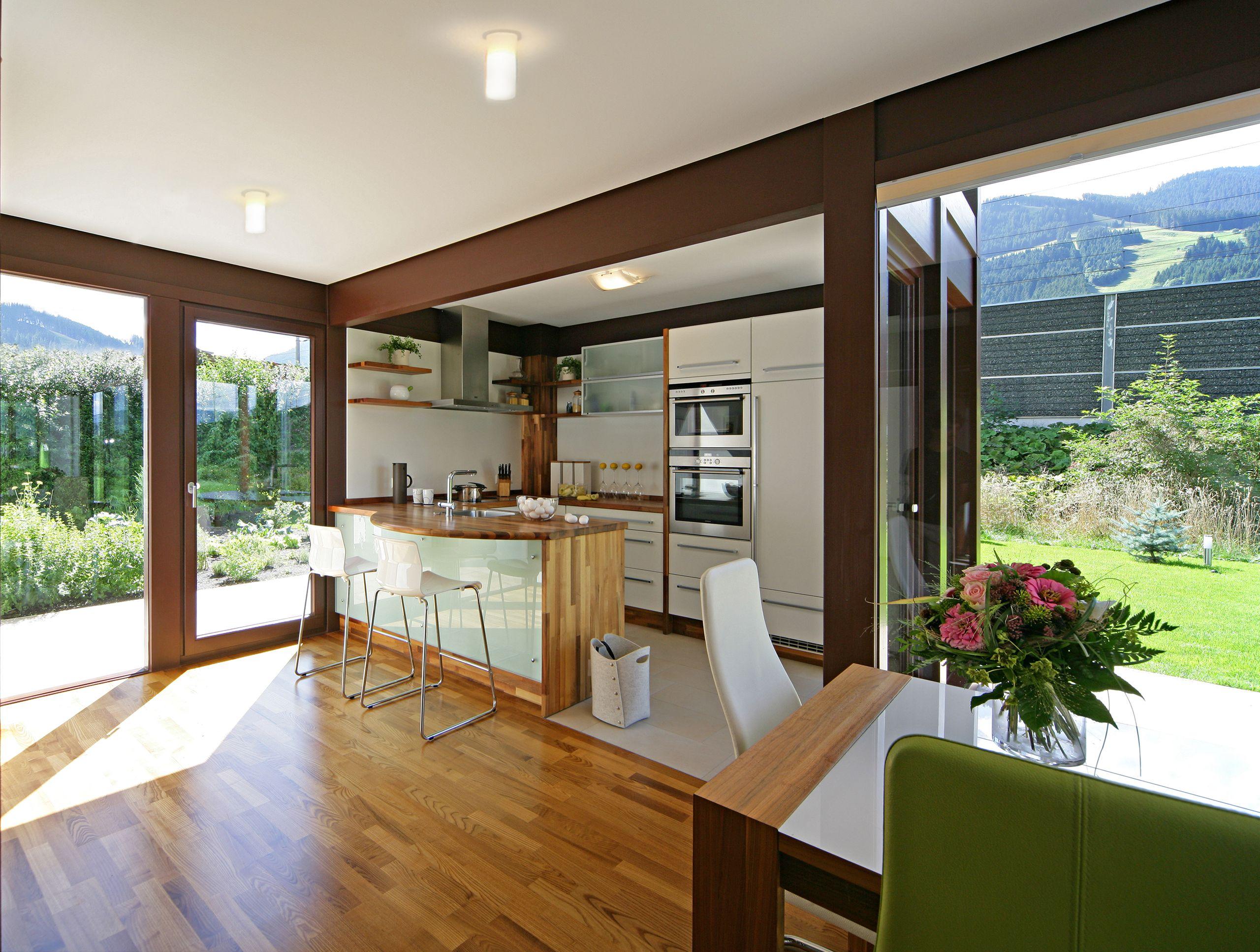 Kundenhaus - Brixental | Innenansicht Küchenbereich | Finden sie mehr Informationen zu diesem Kundenhaus auf http://www.davinci-haus.de/haeuser-standorte/kundenhaeuser/wilder-kaiser-brixental/ #Traumhaus #Fertighaus #Holfachwerk
