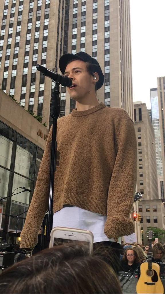 I want that sweater  88d5f1d4838a