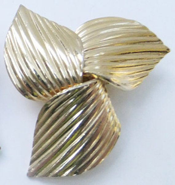 Vintage Jewelry Earrings By Sarah Coventry Huge Gold Clip Back