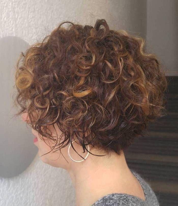 Frisuren Frauen Locken Bob Moderne Frisuren