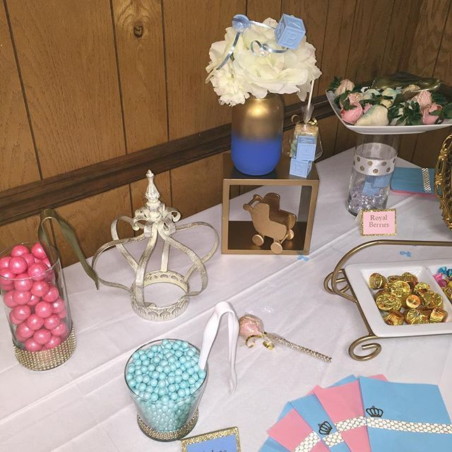 Royal Reveal Party! #weddingplanner #eventplanner #partyplanner #decorator #babyshower #sweet16 #weddingdecor #weddingplanning #candybuffet by crayativecreations. weddingdecor #eventplanner #decorator #partyplanner #weddingplanning #babyshower #sweet16 #weddingplanner #candybuffet #meetingprofs #eventprofs #events #eventplanning #eventplanner #eventtech #travel #tourism #trending #popular #love #TagsForLikes #TagsForLikesApp #TFLers #tweegram #photooftheday #20likes #amazing #smile…