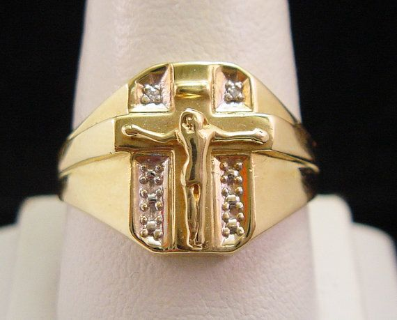 christian cross diamond mens gold ring with crucifix. Black Bedroom Furniture Sets. Home Design Ideas