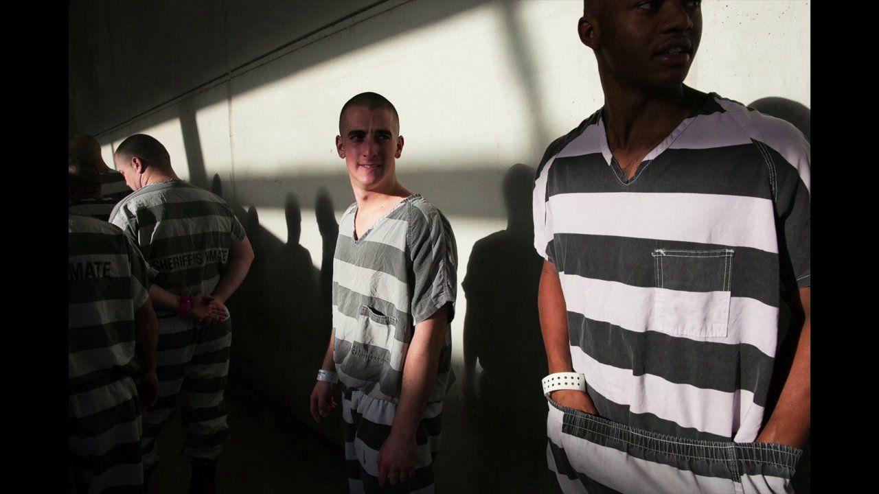 Chain gang trailer county prison thin line women