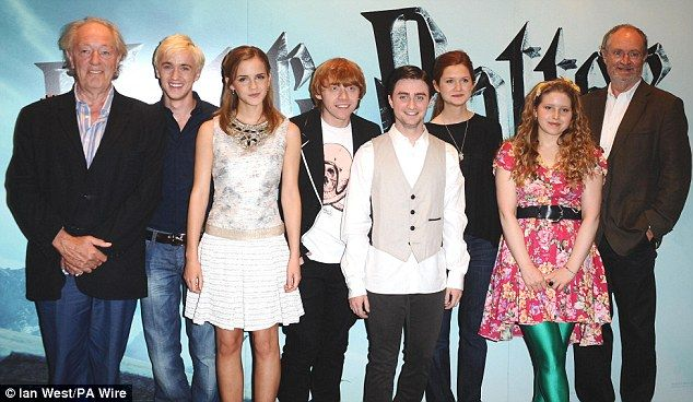 Harrypotter Hermionegranger Ronweasley Harry Potter Scene Bonnie Wright Harry Potter Actors