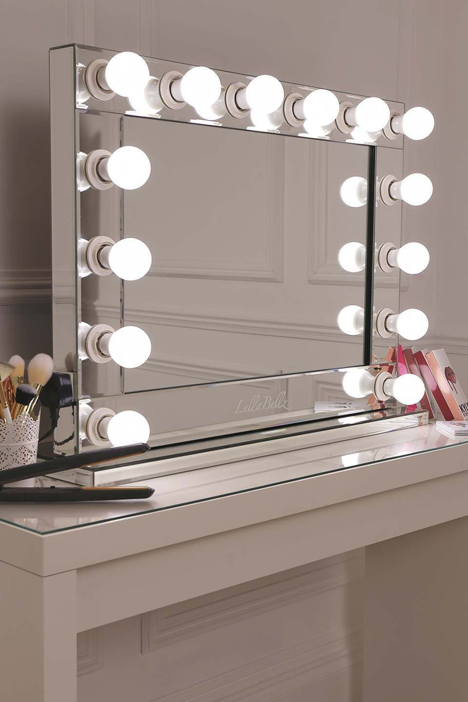Bon Premium Mirrored Base Hollywood Mirror With Slick Mirrored Edging And 14  Frosted Bulbs