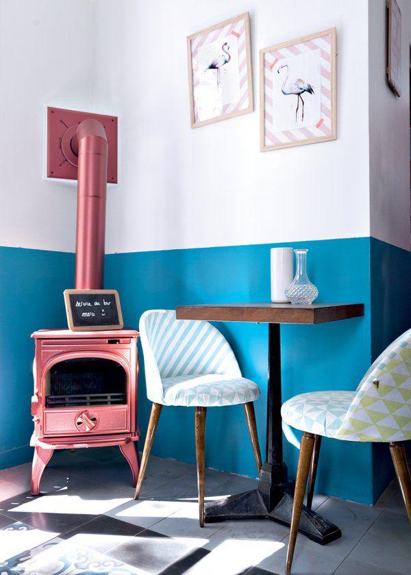 pu003eDans la chambre vert sapin, Peintures La Seigneurie, avec lit - cuisine avec passe plat