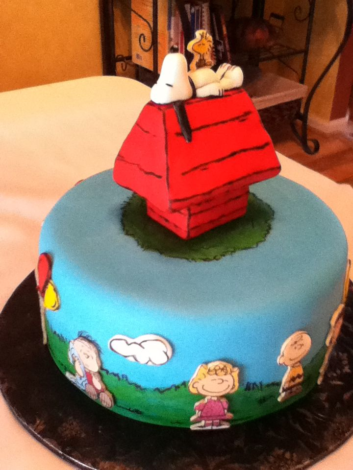 Snoopy Gang Cake Snoopy Cakes Cupcakes and Cookies Pinterest