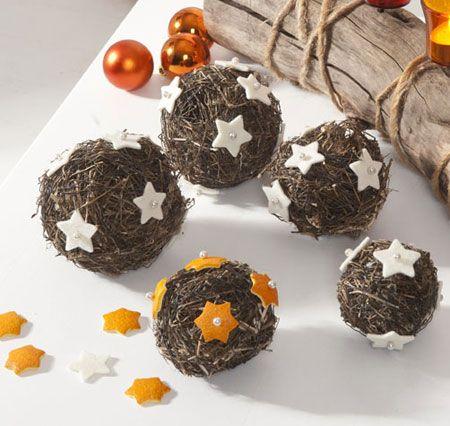 weihnachtsdeko basteln aus naturmaterialien kugeln weihnachtsideen pinterest. Black Bedroom Furniture Sets. Home Design Ideas
