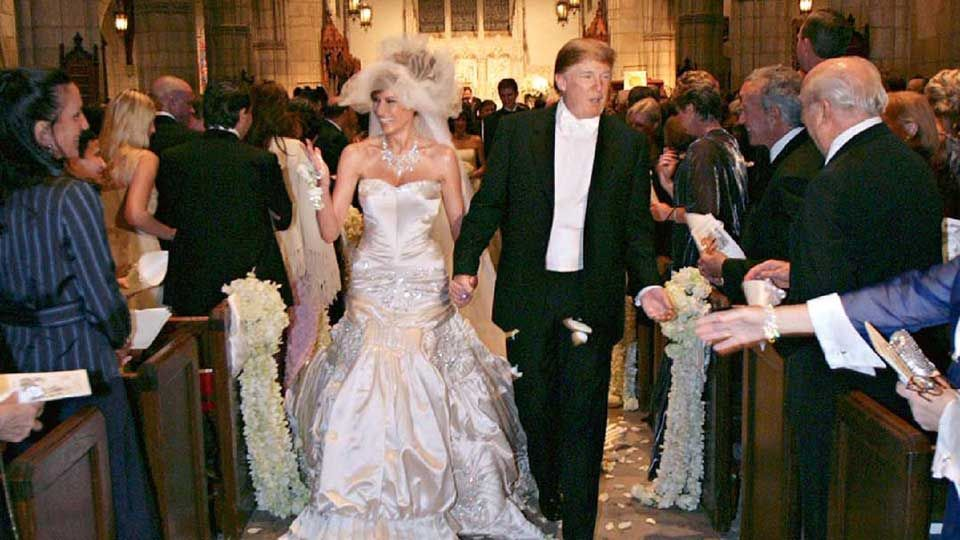 pictures of melania trump wedding dress and her engagement ring the cake was the biggest in the. Black Bedroom Furniture Sets. Home Design Ideas