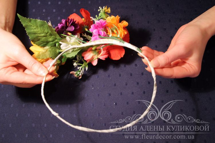 Венки на голову из цветов своими руками фото 742