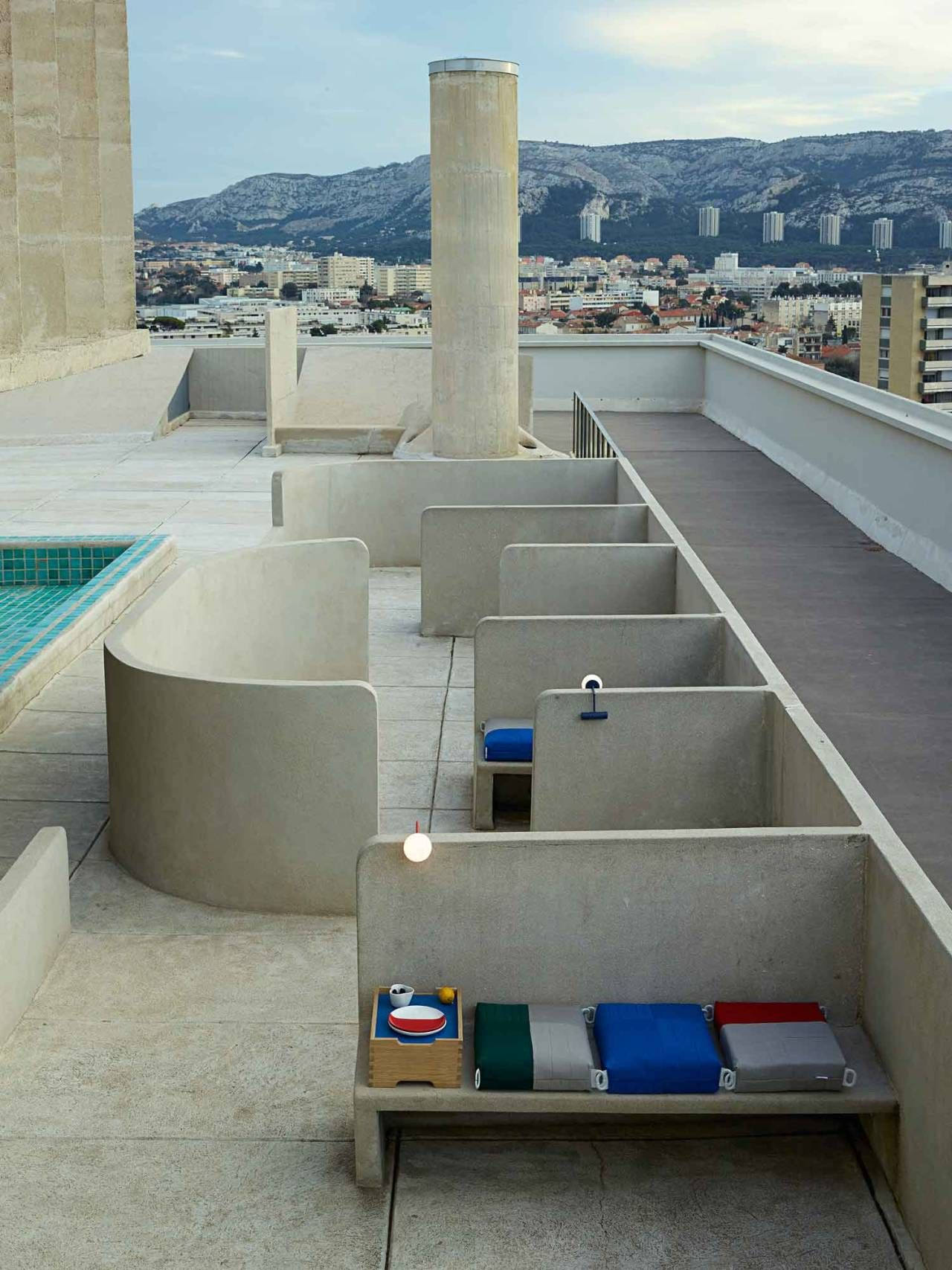 Installation by ÉCAL at Apartment N°50 by Le Corbusier | haus, space ...