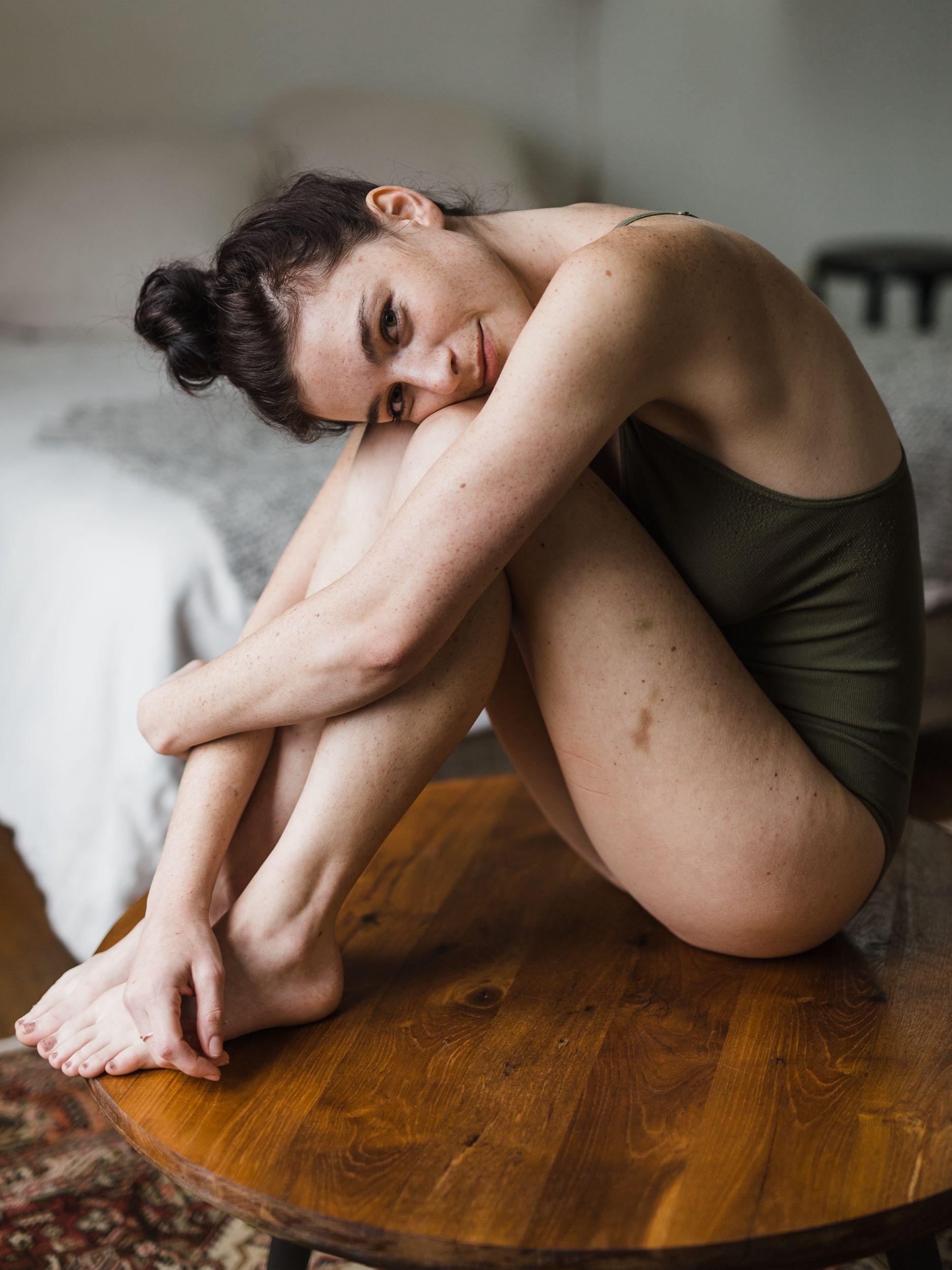 Paparazzi Chloe Howcroft nudes (52 photo), Sexy, Hot, Feet, butt 2006