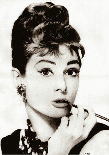 Un dìa como hoy naciò la actriz Audrey Hepburn hace 85años.