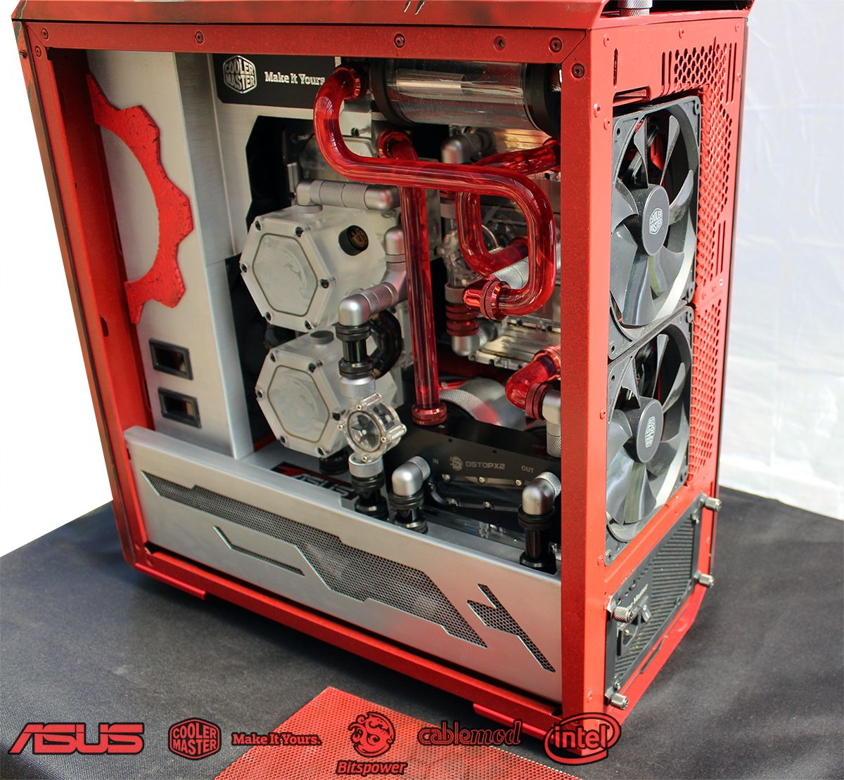 An intricate yet amazing liquid cooling solution brought to us by Zenator with his MasterCase Maker 5 and his Gears of War themed Case! #CaseMod #DIYPC