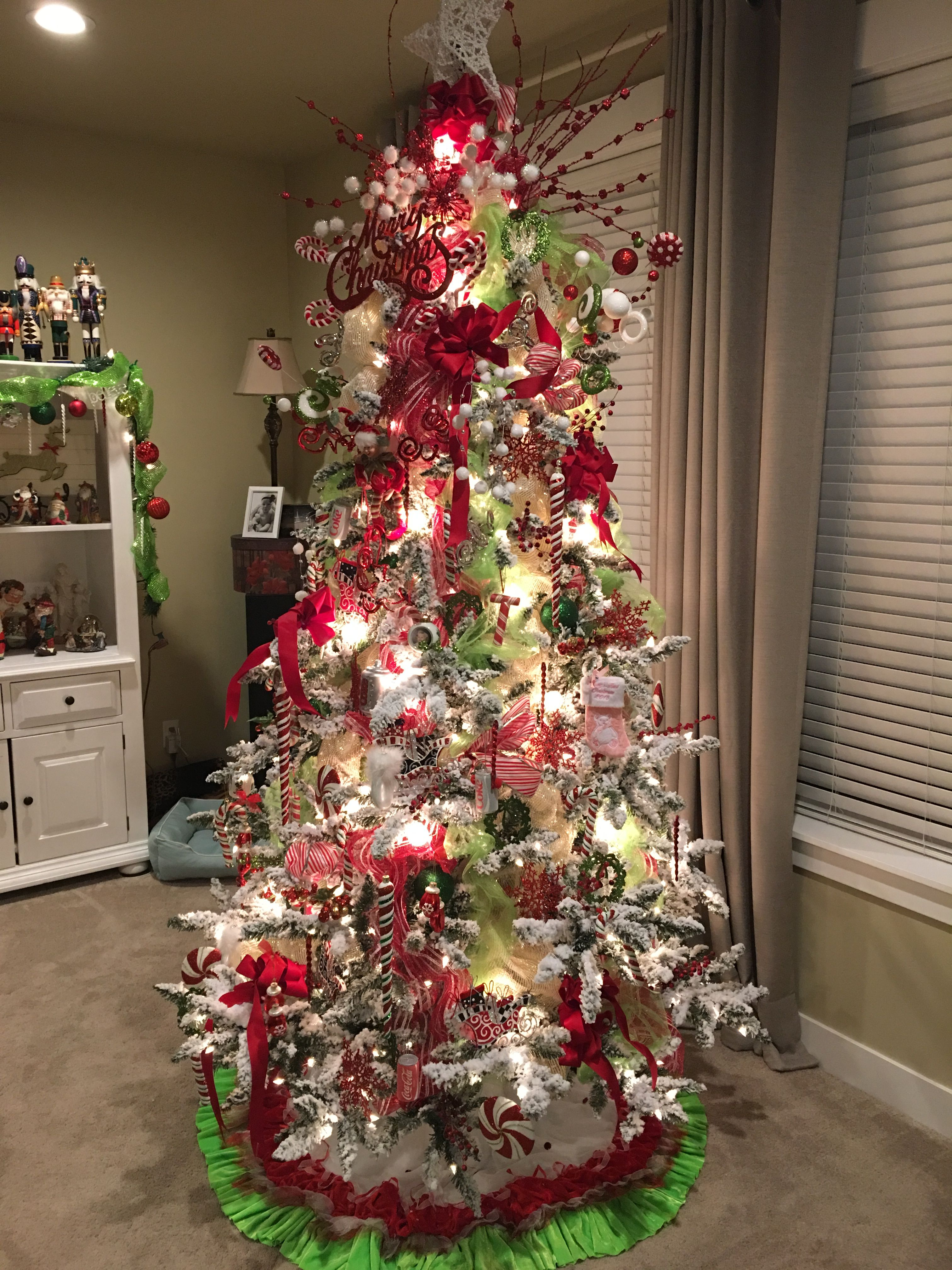 Adding Mesh Ribbon To Your Tree Christmas Decorationschristmas