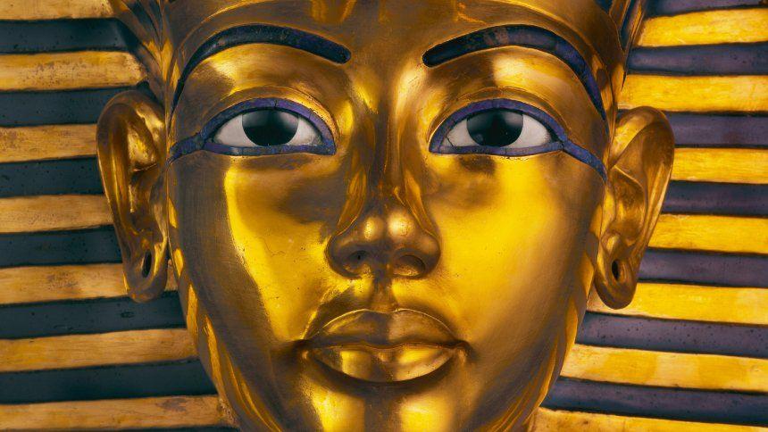 Sie Ist Vermutlich Das Bekannteste Archaologische Fundstuck Der Welt Die Totenmaske Des Pharaos Tutanchamun Der Britische Agyp Tutanchamun Alte Kunst Agypten