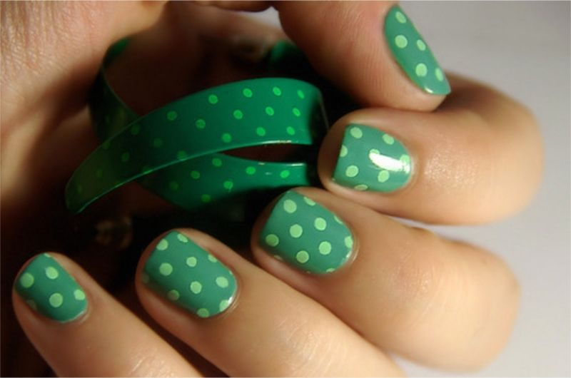Green doted 2   uñas   Pinterest