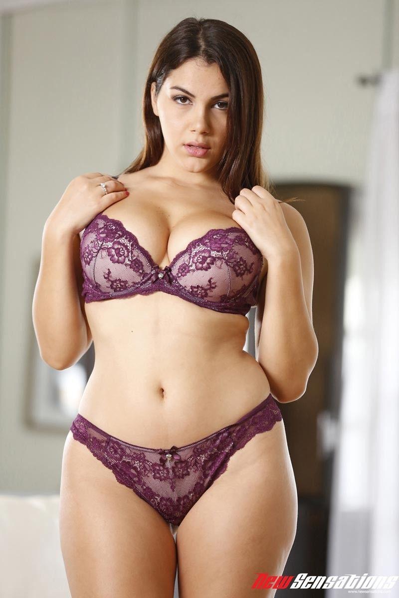 lingerie bbw Big brunette tit