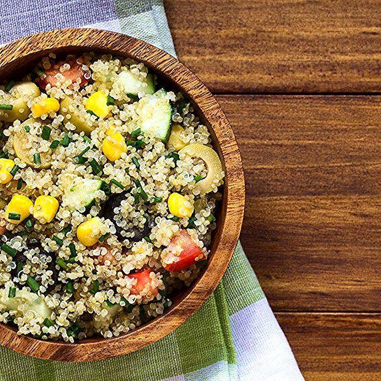 طريقة عمل سلطة الكينوا مع الذرة والزيتون السلطات Food Salad Cobb Salad