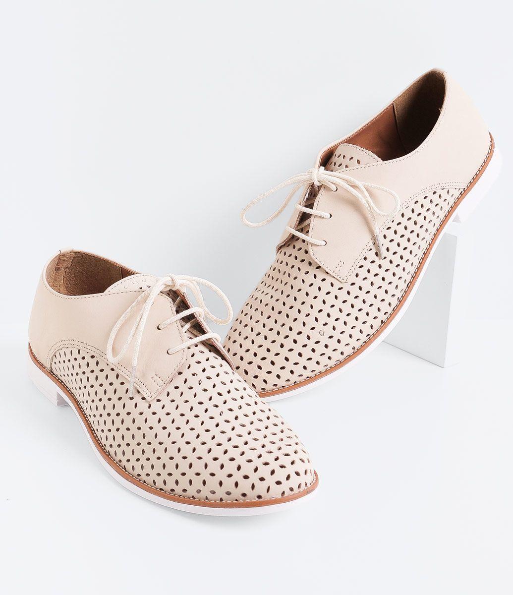 8d327b038 Sapato feminino Material: couro Vazado Marca: Satinato Oxford COLEÇÃO VERÃO  2016 Veja outras opções de sapatos masculinos. Sobre a marca Satinato A  Satinato ...