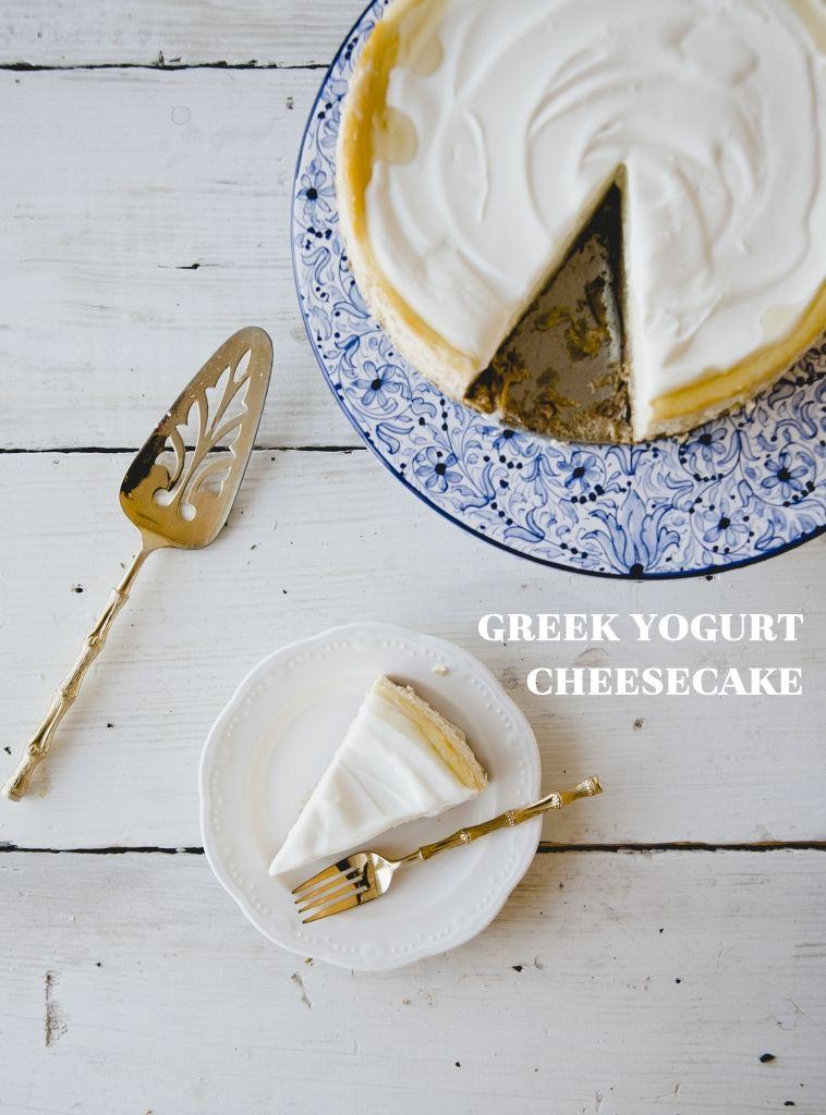 GREEK YOGURT CHEESECAKE // The Kitchy Kitchen