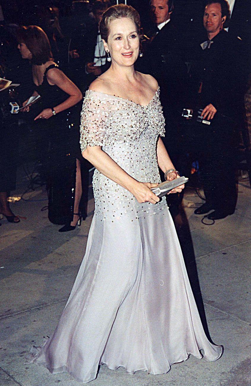 Photos Meryl Streep S Oscar Dresses Ranked Ceremony Dresses Dresses Oscar Dresses [ 1300 x 846 Pixel ]