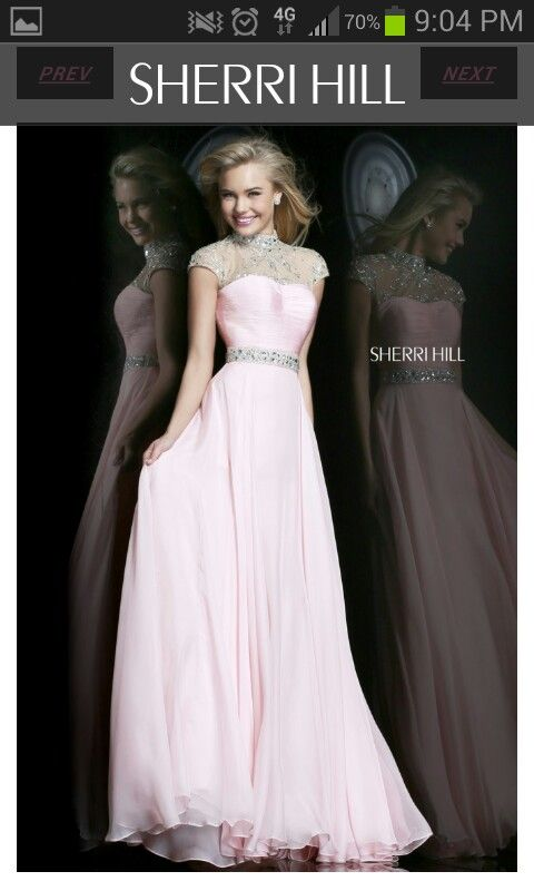 This is so pretty.  There are so many dresses I want! How to choose?