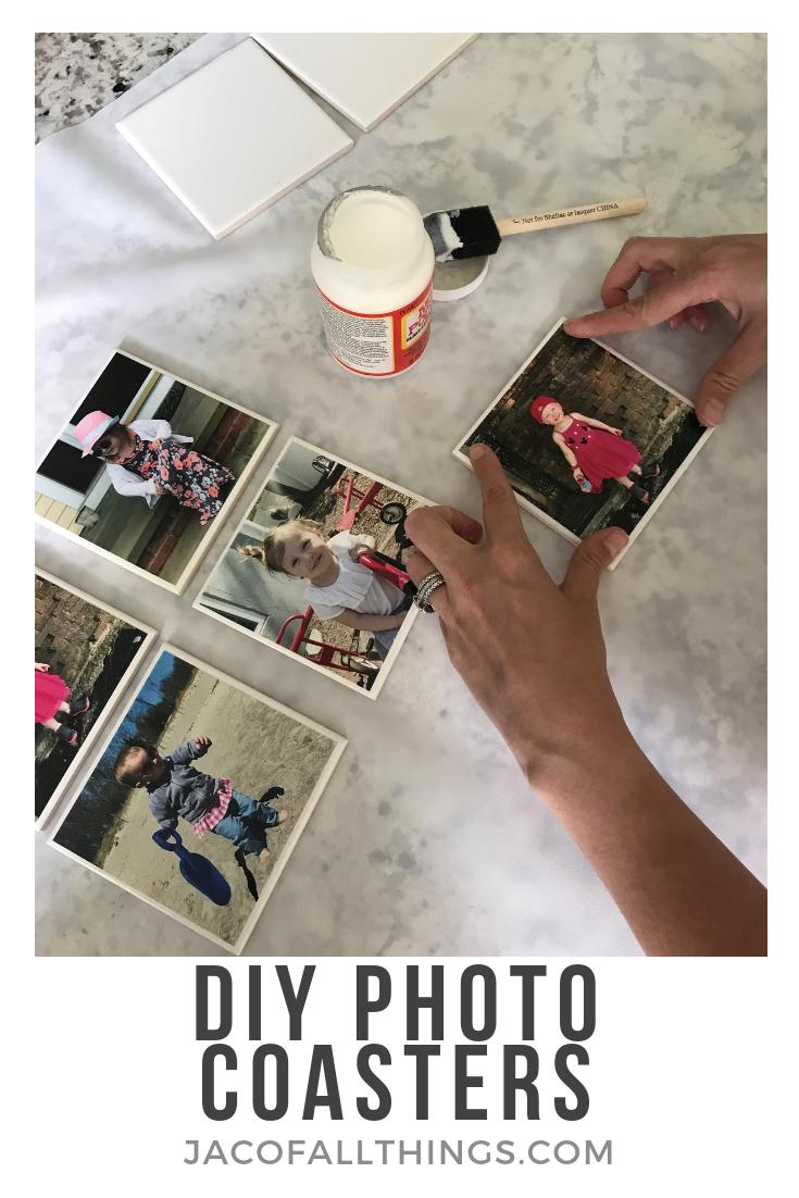 Wie man einfache DIY-Foto-Untersetzer aus Fliesen macht   – DIY Photo Gifts