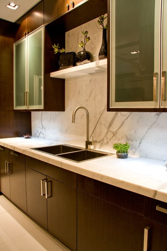Statuario Marble Counter surface and Splash; Aya Kitchens Showroom ...