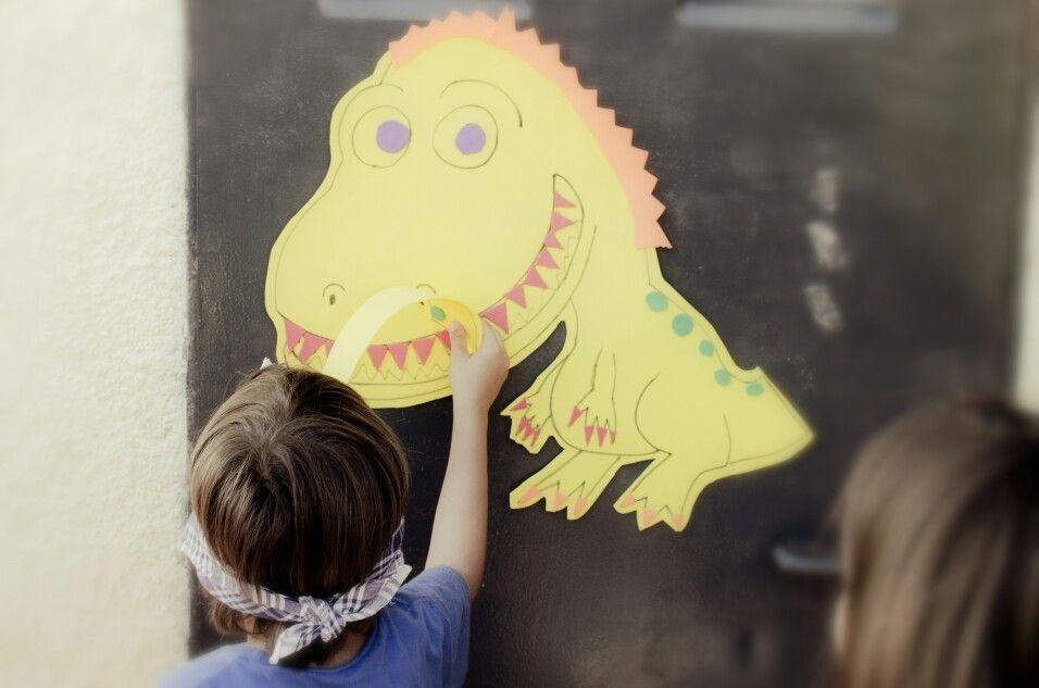 ¿Quién le pone la cola al T-rex?