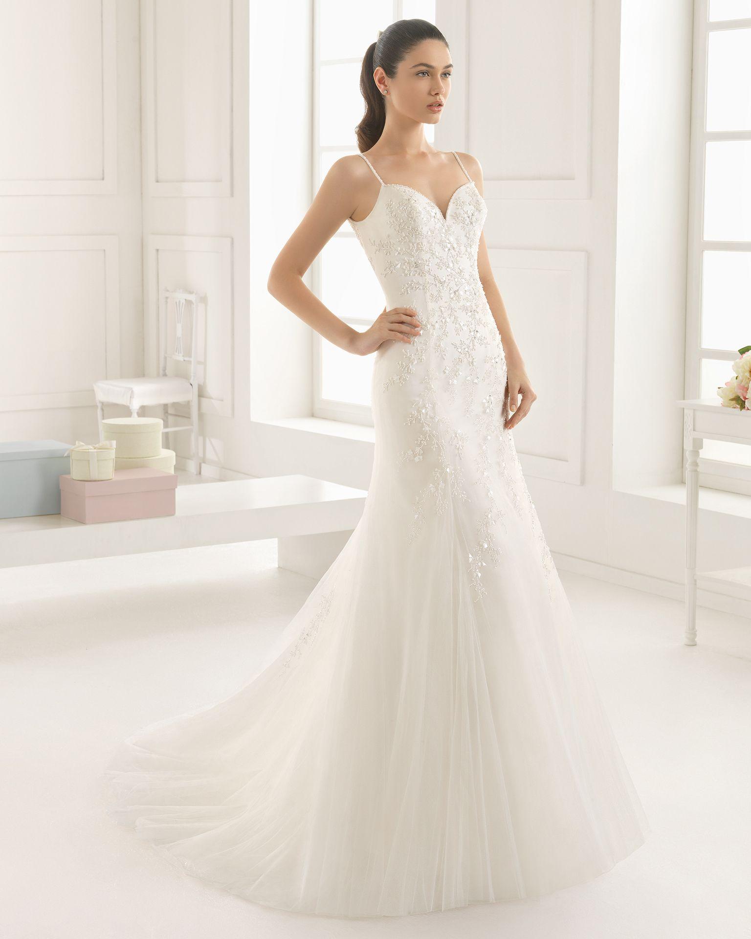 Vestidos de novia y vestidos de fiesta | Rosa clará, Rosas y ...