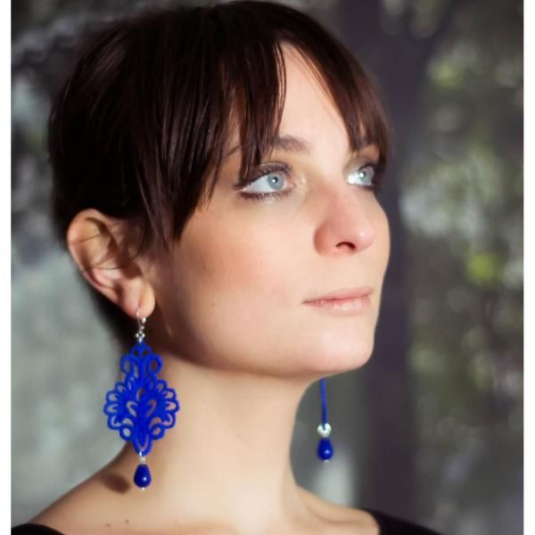 Giglio electric blue lace earrings | Tita Bijoux