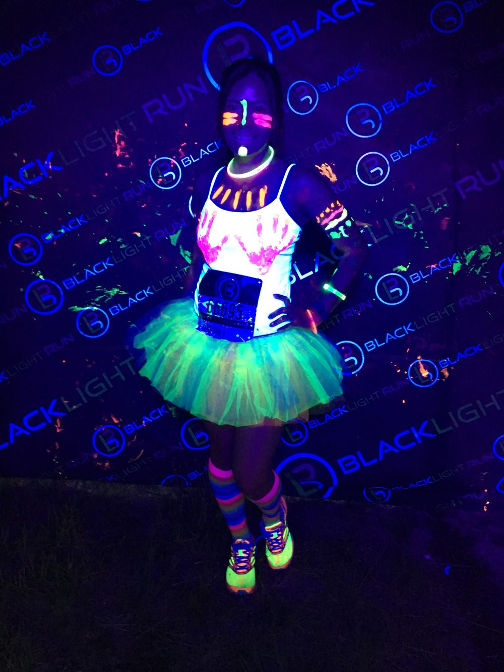 Glow In The Dark Blacklight Run Outfit With Images Glow Theme