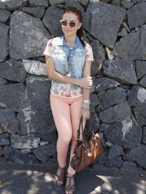 f98085c2f0 Jean Vest · andtrendydreams Outfit Verano 2012. Combinar Bolso Marróno  troen