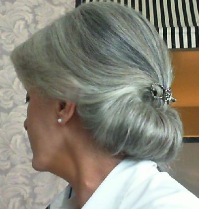 Femme 50 ans Naturally White Silver Grey Hair Victory