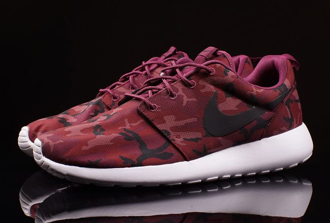 nike roshe run villain red camo fabric